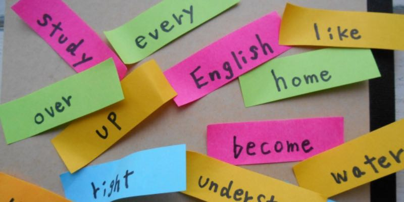 高校生の英語学習は単語と英文法から始める