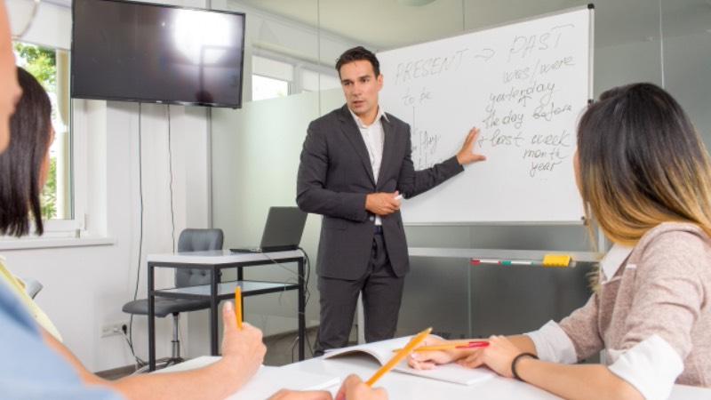 英語日記が英会話に役立つ理由